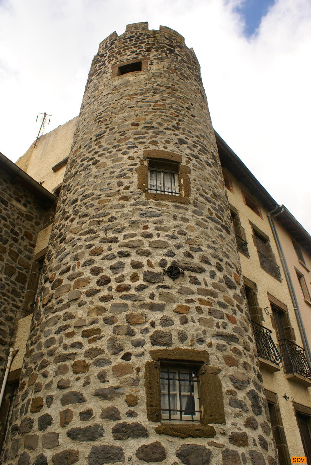 Tour principale du Castellum du Pays de Loudes